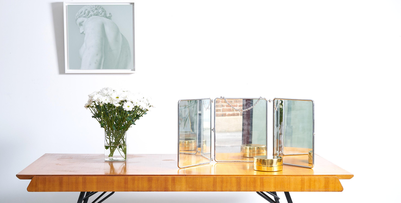 miroir triptyque fabulous petit triptyque miroir volets ancien monte sur cadre bois dcoration. Black Bedroom Furniture Sets. Home Design Ideas