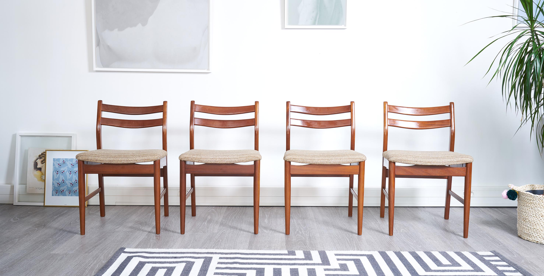 4 chaises scandinave. chaises vintage, chaise teck vintage, chaises scandinaves vintage, chaises en teck vintage, 4 chaises vintage, eames, mobilier paris, eames