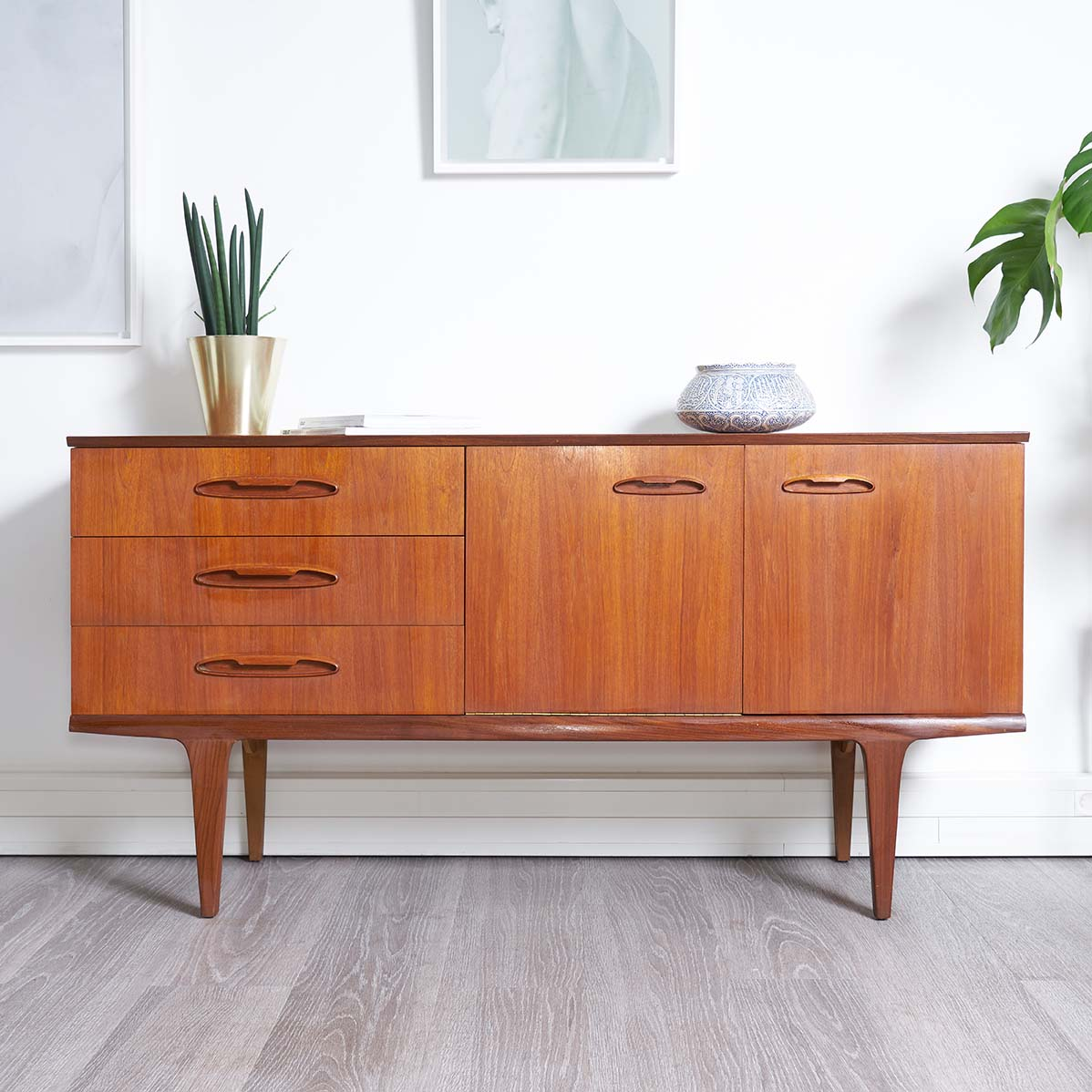 enfilade en teck 1960 style scandinave vendue room 30. Black Bedroom Furniture Sets. Home Design Ideas