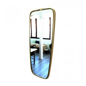 miroir doré et noir,miroir doré et rouge, miroir vintage, miroir rétroviseur, miroir rouge, miroir roiuge vintage, miroir asymétrique, miroir asymétrique vintage, room 30
