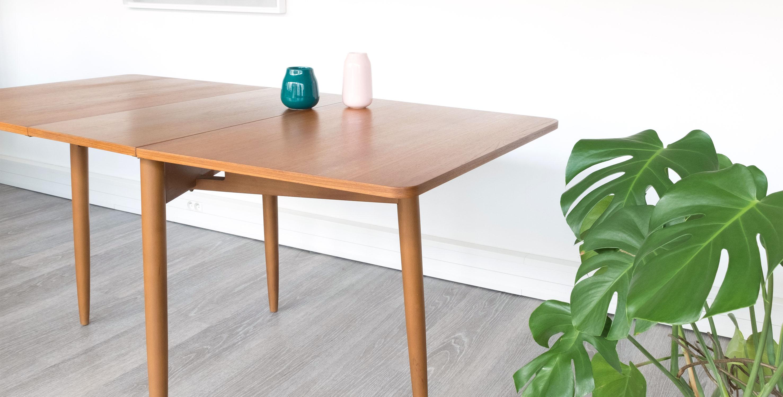 table manger style scandinave en teck 1960 vendue room 30. Black Bedroom Furniture Sets. Home Design Ideas
