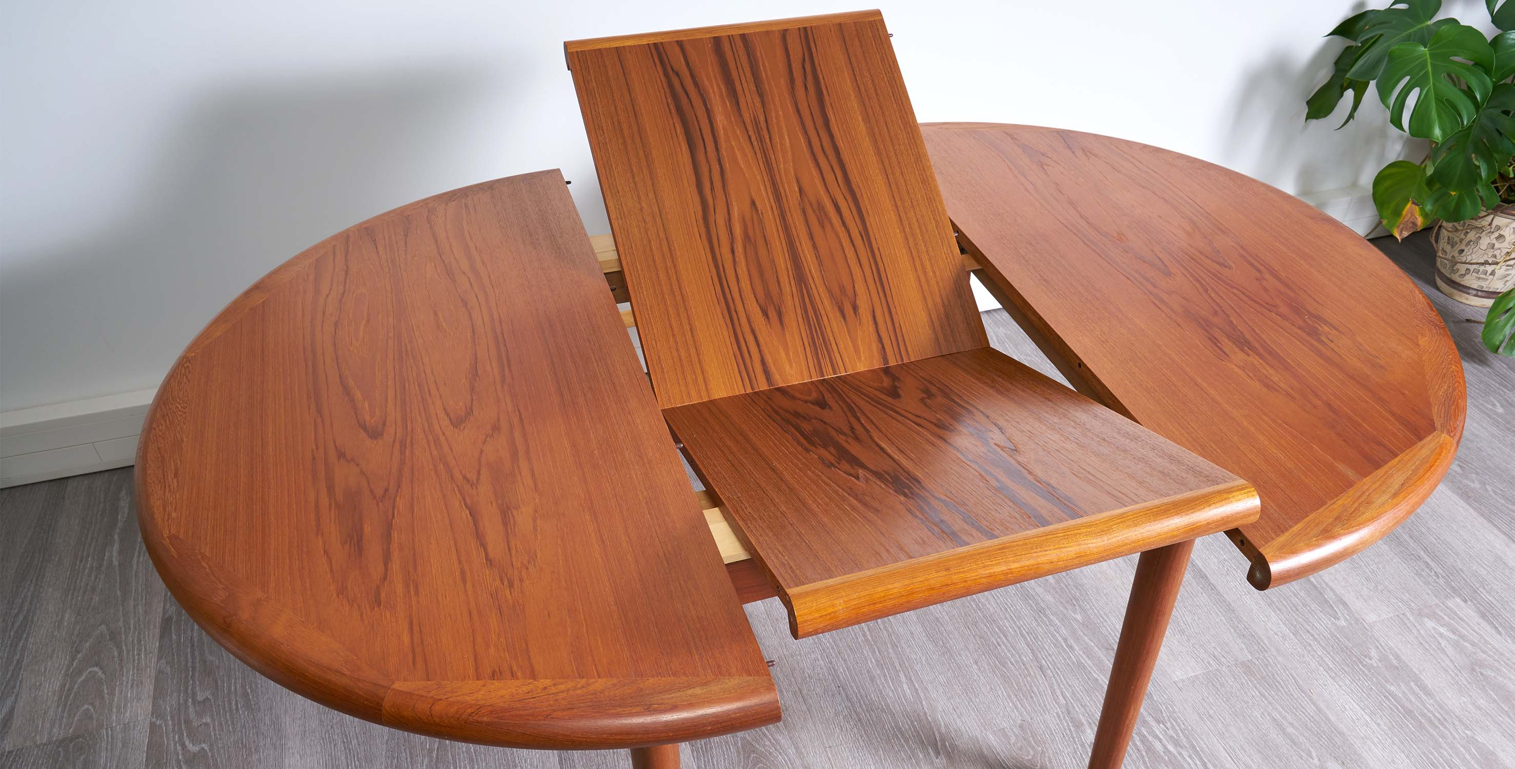 Table A Manger Extensible 1960 Style Scandinave Vendue Room 30