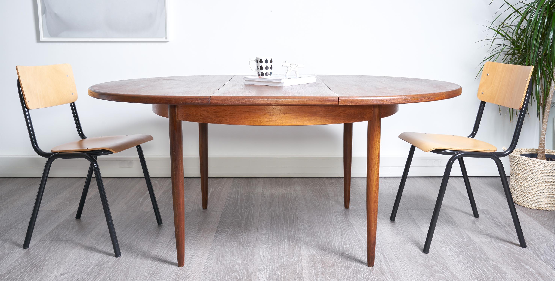 table à manger extensible vintage, table gplan en teck scandinave vintage, table vintage avec rallonge , table ronde vintage, table ronde teck vintage, table ronde bois foncé