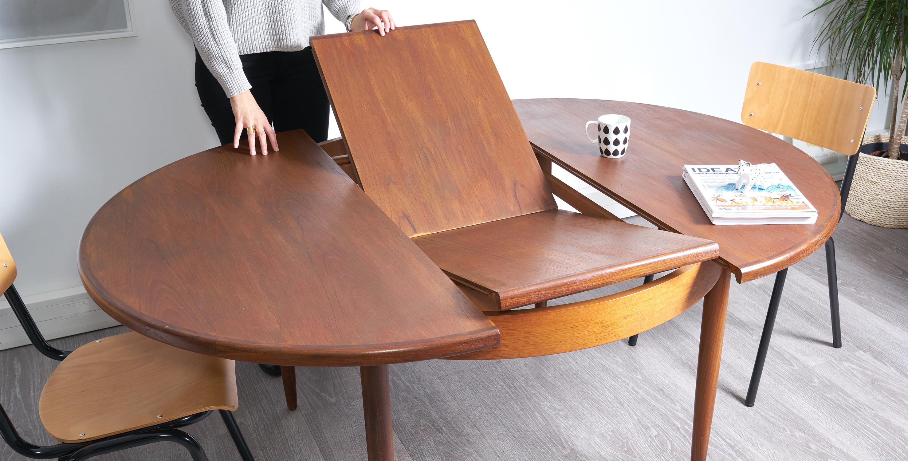 table à manger ronde extensible 1960 style scandinave