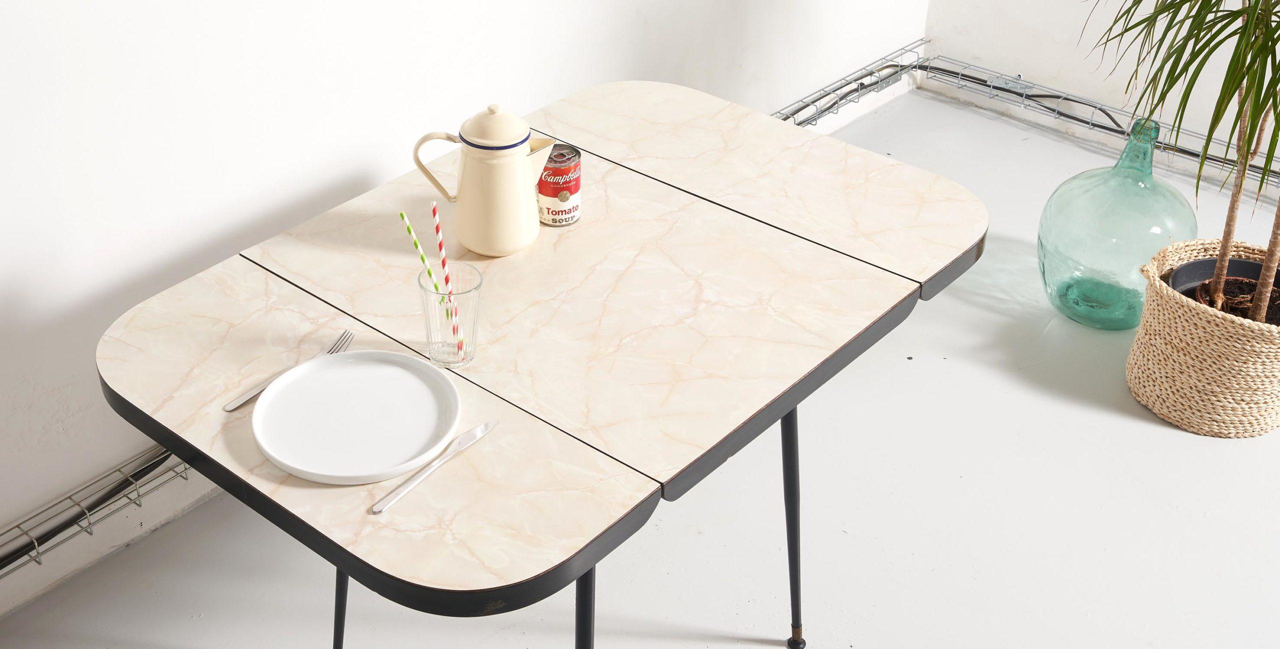 table formica, table vintage, table à manger vintage, table à manger formica, table à manger formica vintage, table pieds compas, table métal, table métal et formica, table formica beige, table vintage