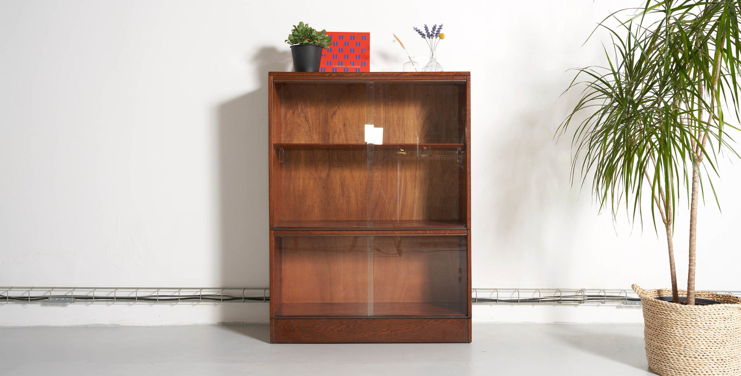 bibliotheque vintage, bibliothèque vintage, meuble vintage, meuble portes coulissantes, angus, petite bibliothèque, petite bibliothèque vintage