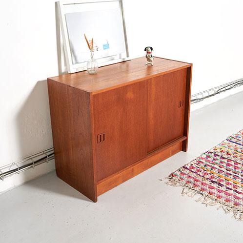 meuble scandinave vintage,meuble danois vintage, petit meuble vintage, meuble portes coulissantes vintage, meuble hifi vintage, chevet vintage, meuble teck vintage, meuble portes coulissantes teck vintage