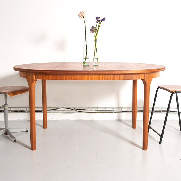table MCintosh, table à manger rallonge papillon, table teck vintage, table ovale vintage, table ovale rallonge papillon, table mcintosh vintage, table rallonge vintage