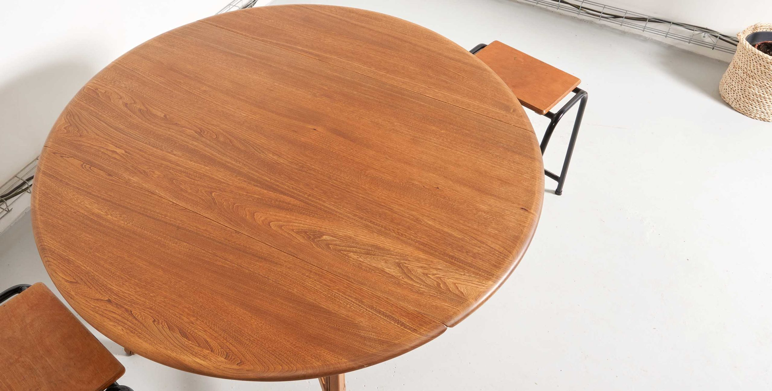 table a manger ercol, table ercol, table ercol vintage, table à. manger ercol vintage, ercol, table ronde vintage, table ovale vintage, table scandinave, table vintage bois blond
