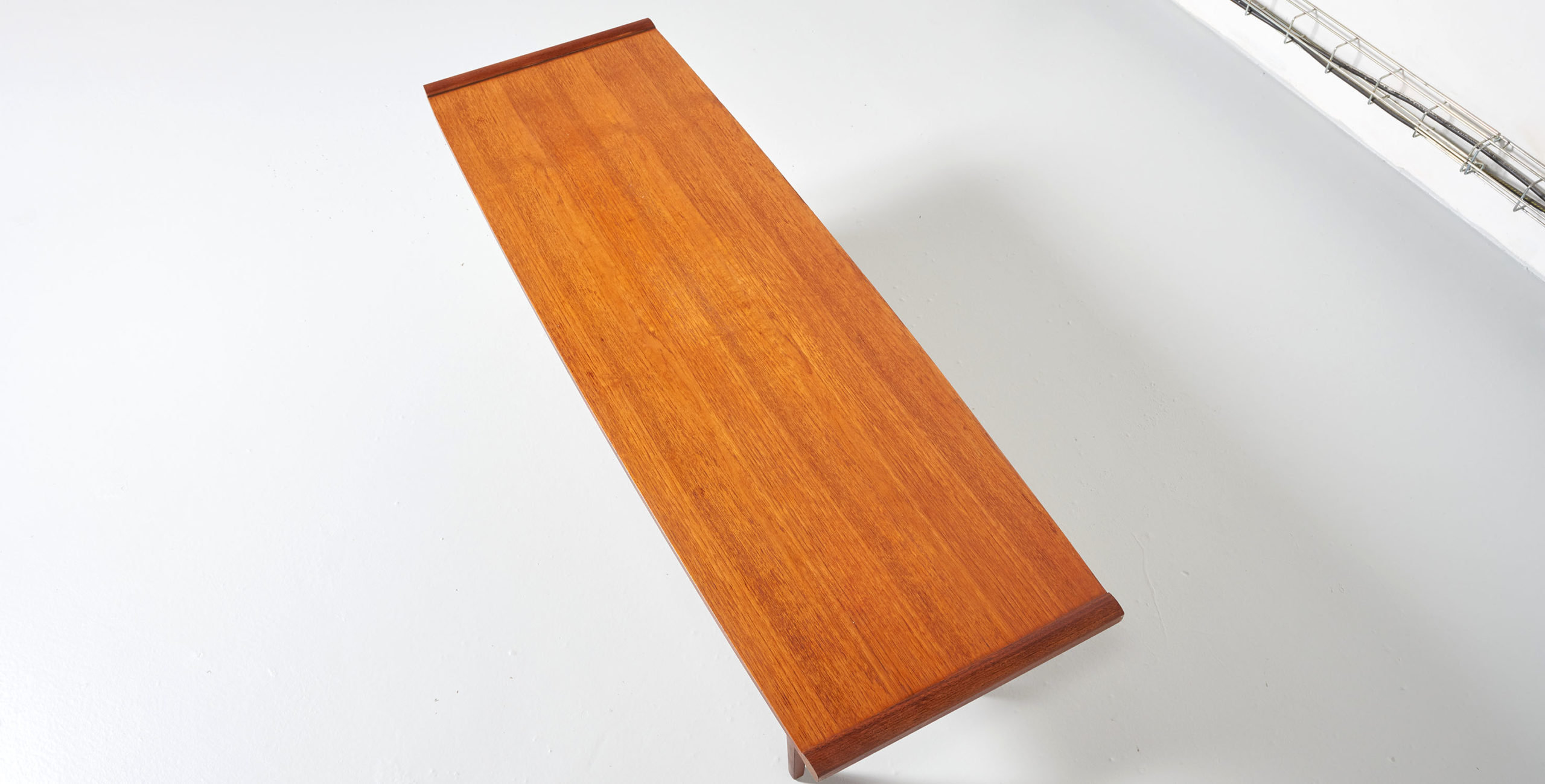 table basse teck vintage, table basse avec porte revues, table basse avec porte magazine, table basse vintage, table basse g plan, table basse porte revues vintage, table basse anglaise, table basse anglaise vintage